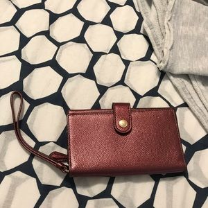 COACH Metallic wristlet FITS UP TO IPHONE 7